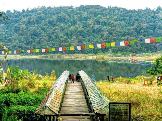 Kalimpong 01N +  Gangtok 03N + Lachung 02N + Pelling 02N